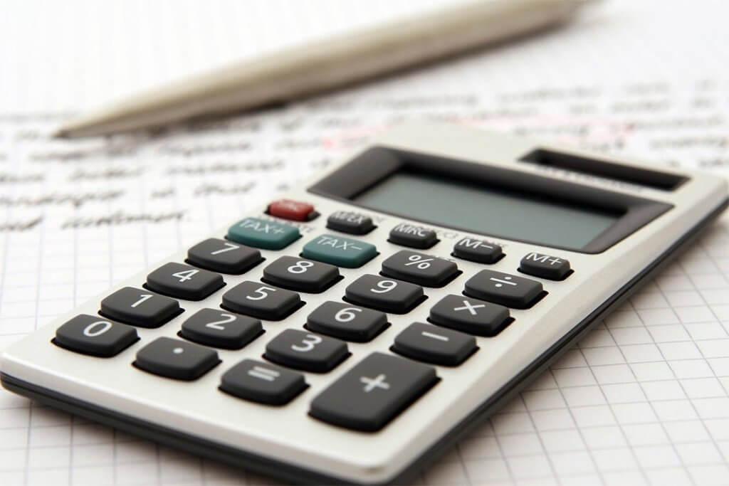 Beim Thema Absatzfinanzierung stehen verschiedene Dienstleister wie Banken, Leasinggesellschaften und FinTechs zur Auswahl