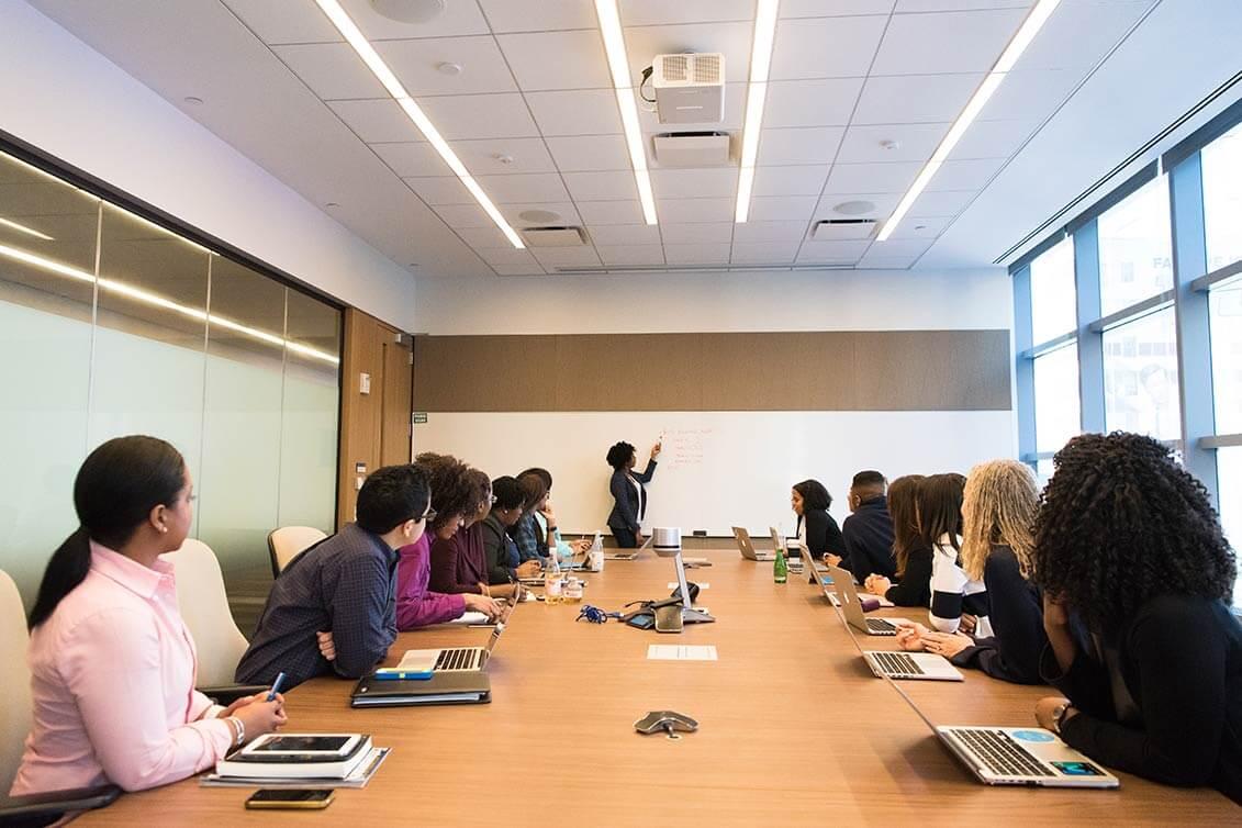 Hierarchien in der Consulting Branche: Consultant, Senior Consultant und Partner