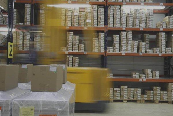 Durch die Anlagemechaniker Weiterbildungen können wichtige Kompetenzen zur optimalen Lagerhaltung erlernt werden.
