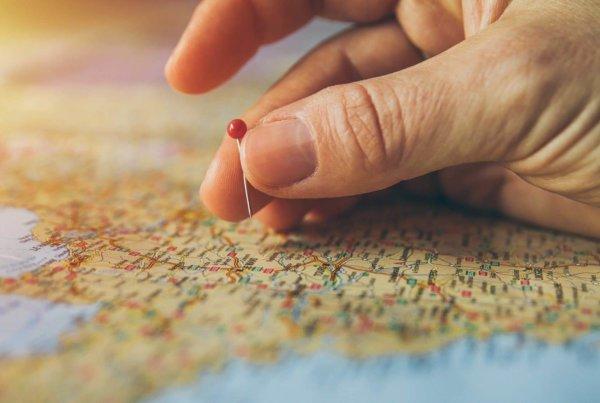 Zu Investieren im Ausland sollte ein Experte hinzugezogen werden, der sich mit dem Zielland auskennt.