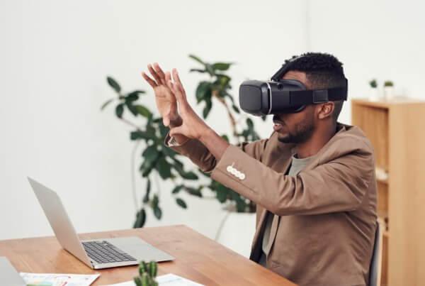 Neue Technologien wie Augmented Reality und Virtual Reality helfen dabei, digitale Lernangebote wie die Digitalwerkstatt zu erweitern.